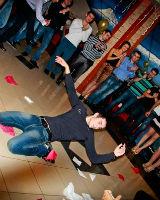 Греческий танец Зейбекико