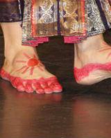 Основная работа ног в индийском танце