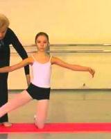 Гимнастика на коленях балет