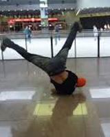 Танец брейк-данс