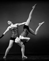 танцы акробатика
